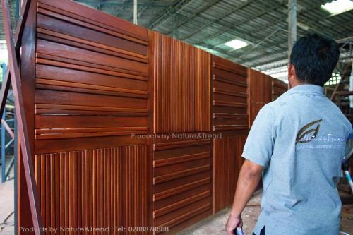 ประตูรั้วไม้ ลวดลายสวยๆ ที่ผลิตและควบคุมคุณภาพจากโรงงานของเรา ไปติดตั้งจบภายในวันเดียว  ต้องที่นี่เลยครับ